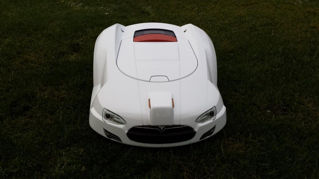 Automower-220AC-Tesla-Modell