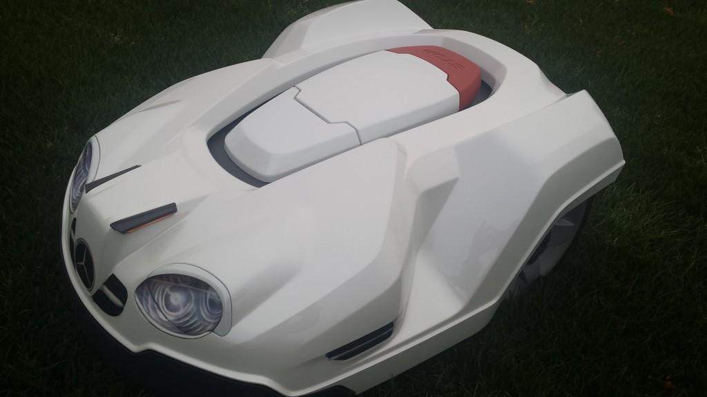 automower-430x-weiss-schraeg-seite