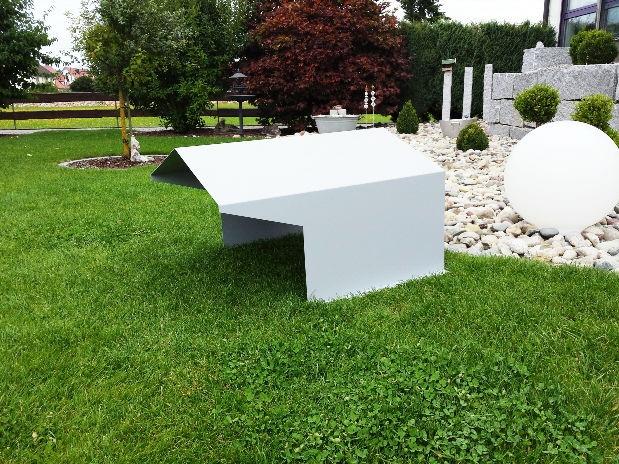 garage f r ihren rasenroboter wichtig besonders bei hagel. Black Bedroom Furniture Sets. Home Design Ideas