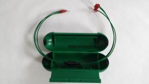 genialer-anschlussstecker-gruen-geoeffnet