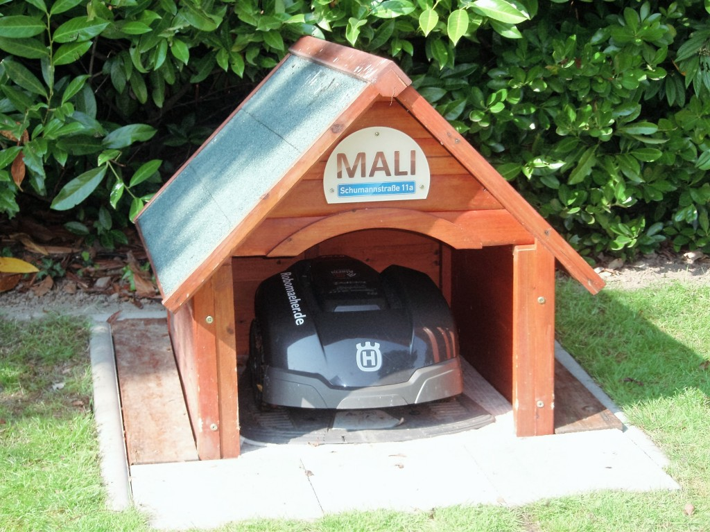 Automower Garage Eigenbau Holzgarage