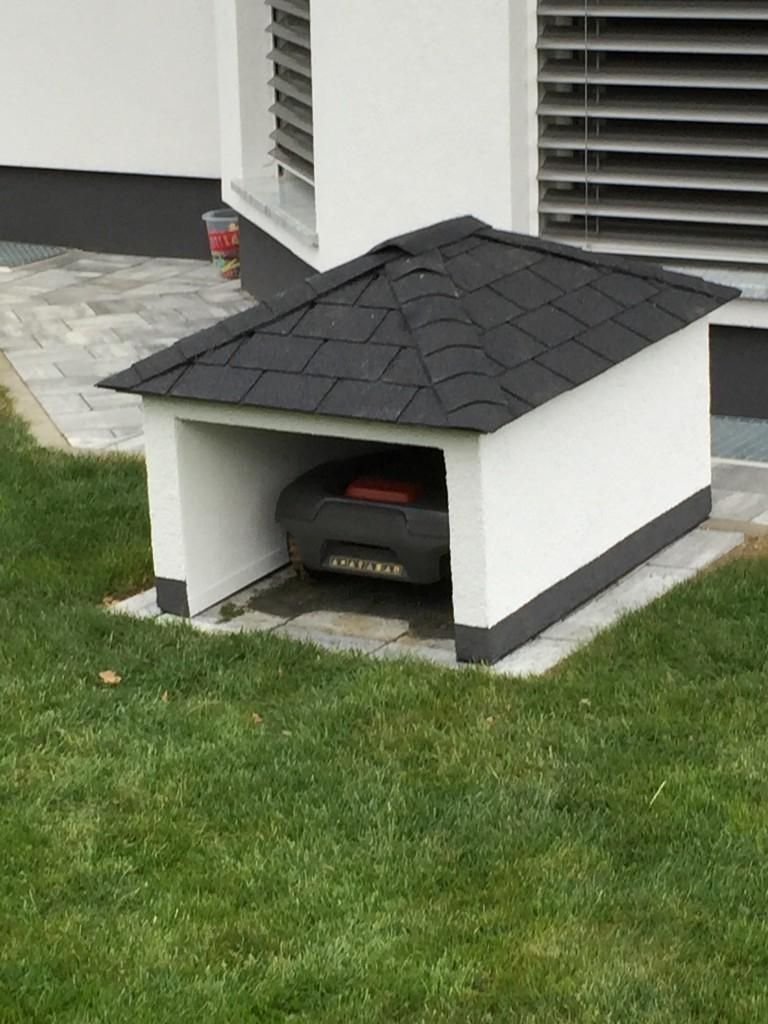 garage f r den automower 305 selbst bauen oder kaufen. Black Bedroom Furniture Sets. Home Design Ideas