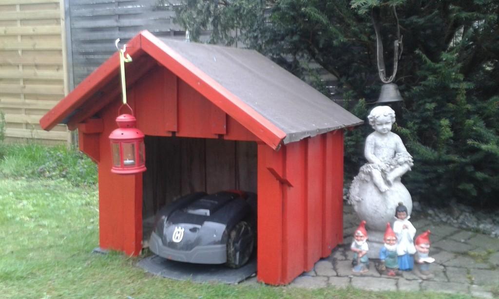 Rasenroboter-Garage-Eigenbau