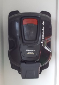 automower-305-BJ2020-wandhalter