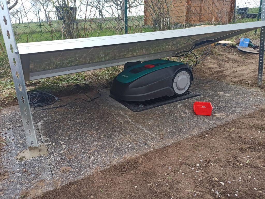 Rasenroboter-Solar-Anlage-Eigenproduktion