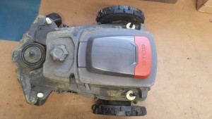 automower 315 im rasenm her roboter test. Black Bedroom Furniture Sets. Home Design Ideas