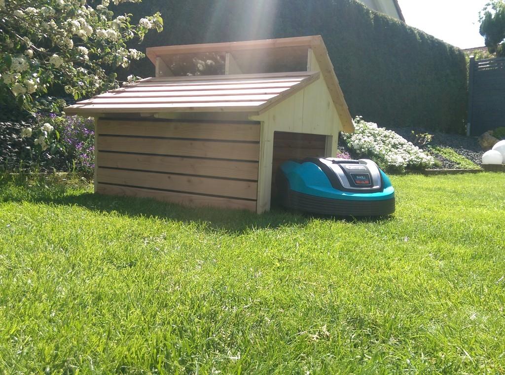Maehroboter-Holz-Garage