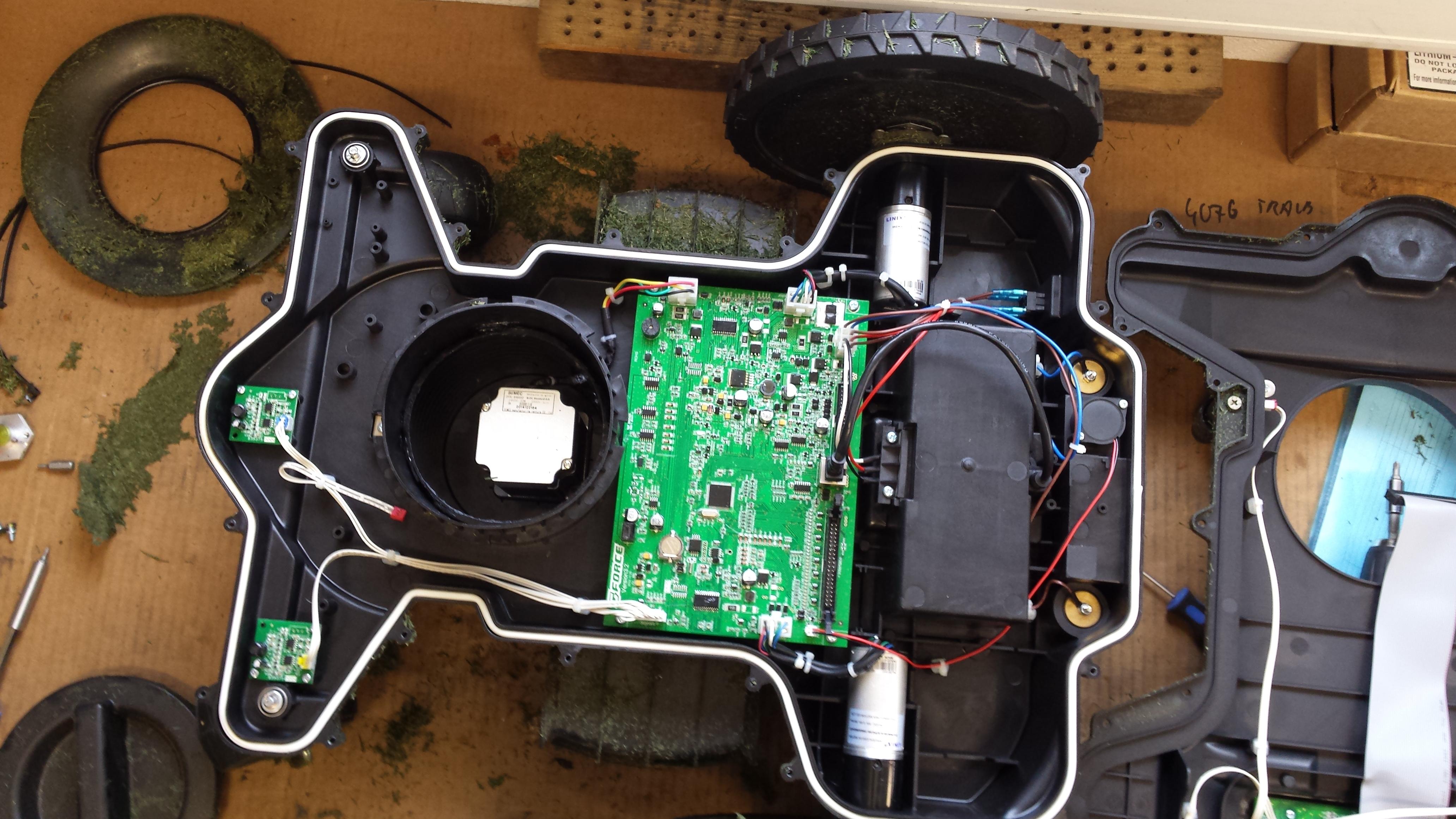 rasenm her roboter herkules g force 2500 im test. Black Bedroom Furniture Sets. Home Design Ideas