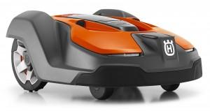 Husqvarna Automower 450X schraeg vorne orange