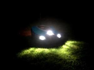 Rasenroboter-Gardena-Sileno-LED-Front-Scheinwerfer