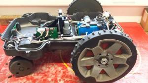 automower-450x-seitlich-mit-rad