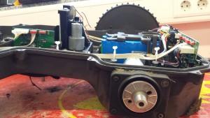 automower450x-seitlich-ohne-rad