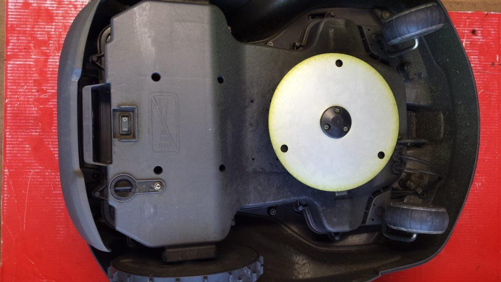 Automower-430-x-von-unten