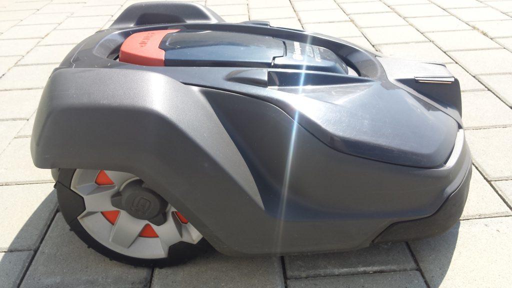 Automower-450x-seitlich